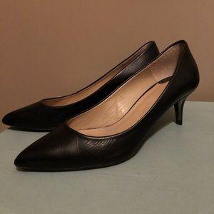 Leather kitten heel